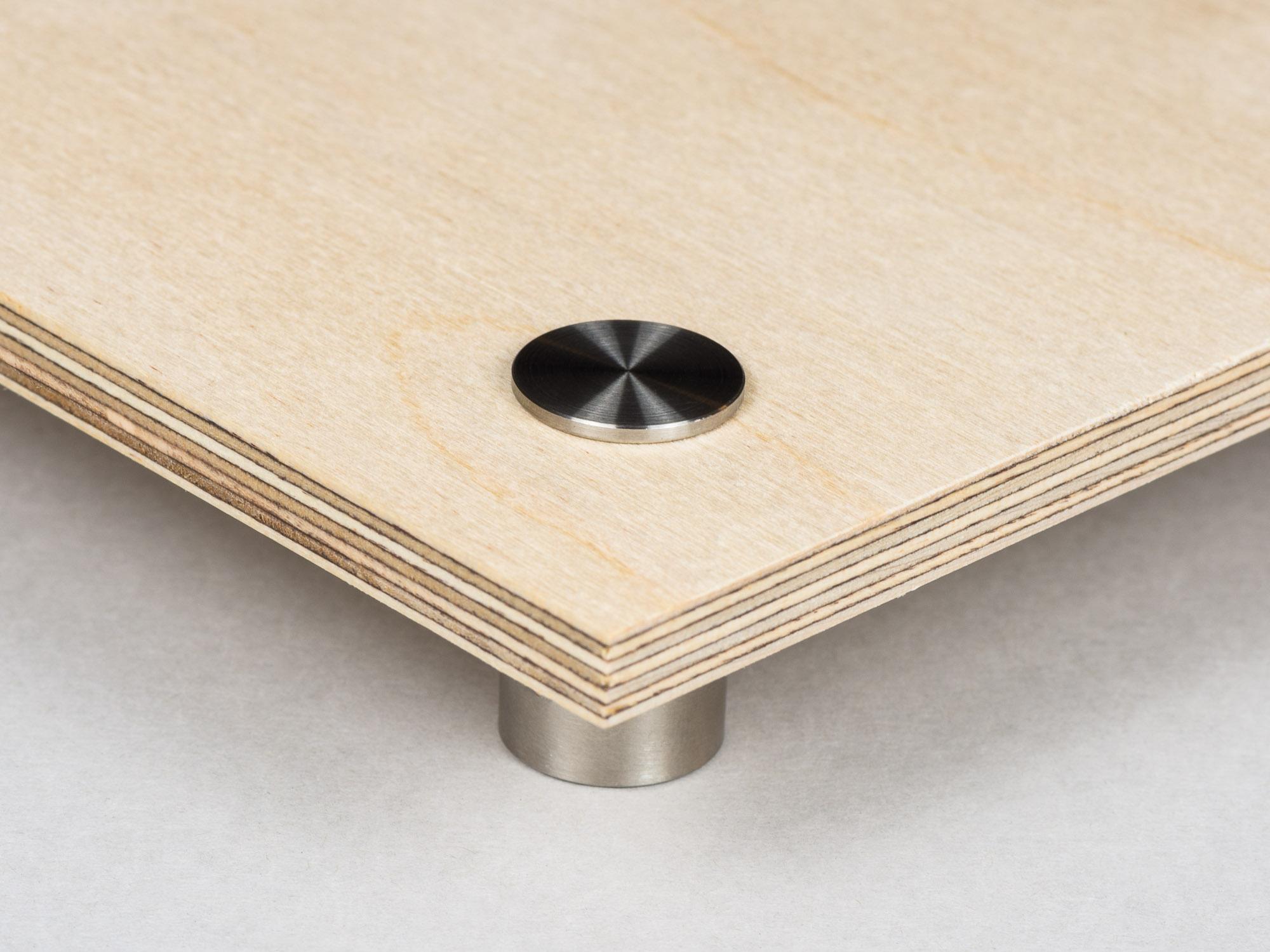 Utskrift på Plywood med hål och upphängningsdistans