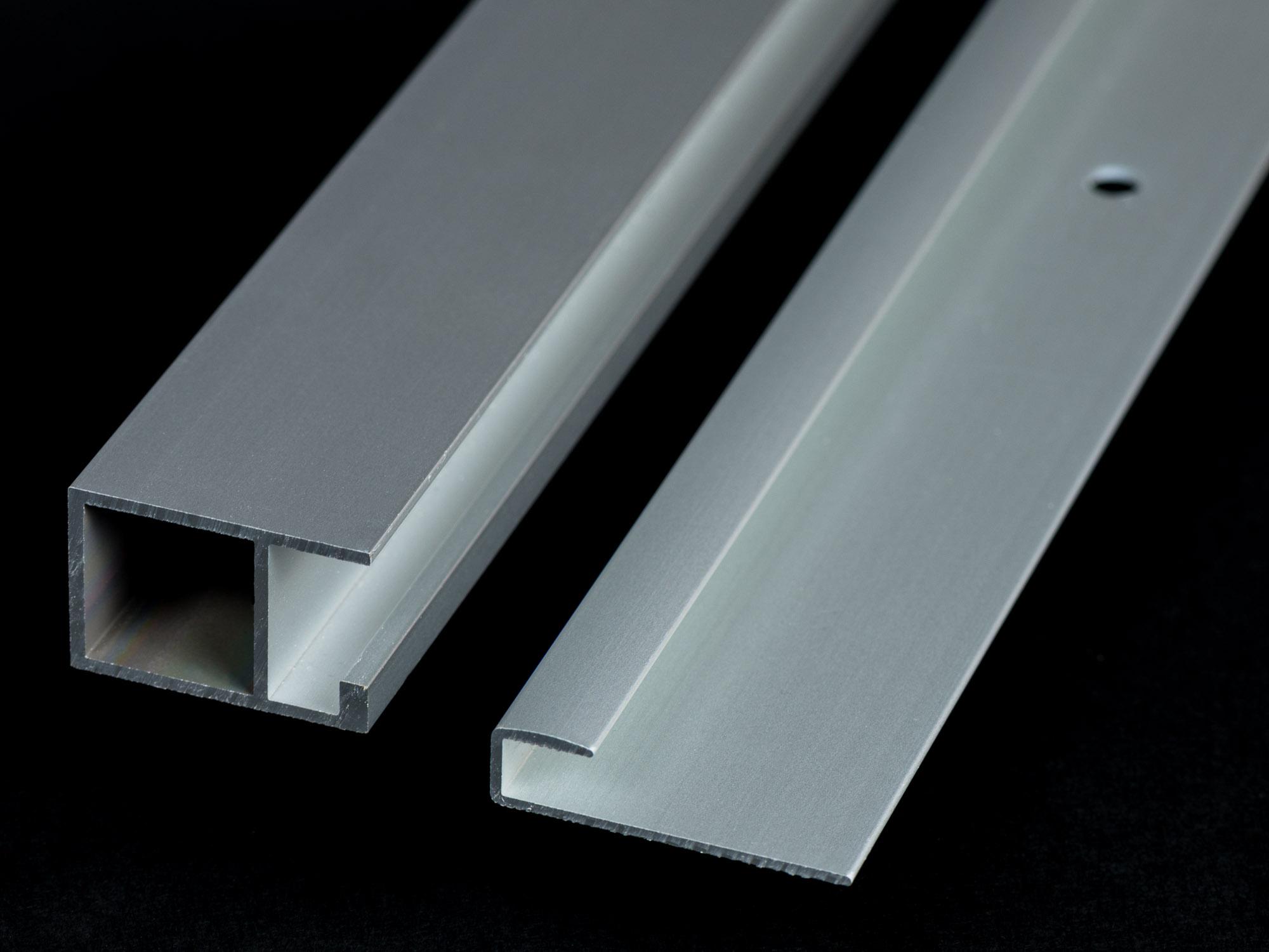 Upphängningslister för bildmontering på Glas 6mm